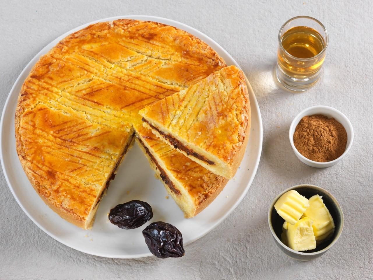 Recette bio de Gâteau breton fourré à la crème de pruneaux